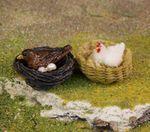 2 Nester mit Vogel und Huhn, Satz aus Polyresin, 2x3 cm, Krippenfiguren 001