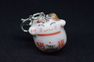 Glückskatze Charm  Anhänger Miniblings Katze China Maneki-neko Porzellan weiß – Bild 2