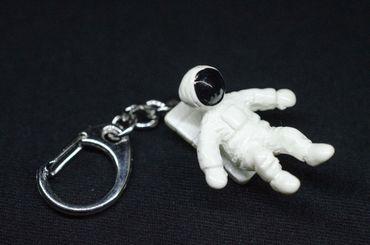Astronaut Schlüsselanhänger Kosmonaut Raumfahrer Miniblings Weiß Weltraum 3 5cm – Bild 1