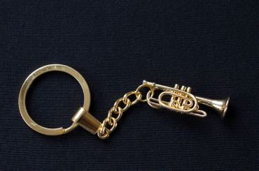 Cornet Key Ring Miniblings + Box Gold Plated Trumpet Flugelhorn – Bild 1