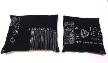 2x Kissen Set Dekokissen Miniblings Handarbeit Unikate Zeichen Symbole Barcode – Bild 1