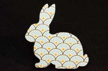 Brooch Miniblings Button Rabbit Easter Bunny Wood Turquoise – Bild 1