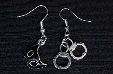 Mix Mask Handcuffs Earrings Miniblings Bondage Game Carnival – Bild 3