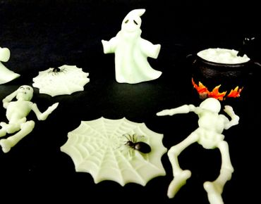 8 pcs Halloween Miniblings Toy Figures Figurines GLOW IN THE DARK Ghost Spider Skeleton Decoration – Bild 1