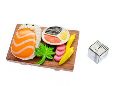 Sushibrettchen Brosche Miniblings Japan Fisch Sushiplatte Sushi Gesicht braun – Bild 2