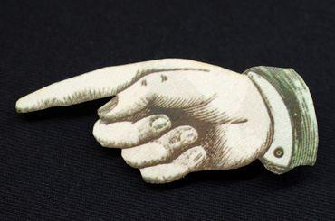Zeigefinger Brosche Miniblings Anstecknadel Finger Hand Holz Lasercut 67mm – Bild 3