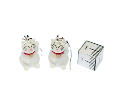 Lucky Cat Maneki-Neko Earrings Miniblings Cats Manga White Kitty Kitten Rubber – Bild 2
