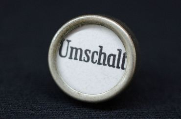 Umschalt Customized Brooch Pin Badge Miniblings Button White – Bild 3