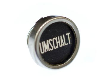 Umschalt Customized Brooch Pin Badge Miniblings Button Black Typewriter – Bild 1