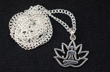 Lotus Position Yoga Necklace 45cm Pendant Miniblings Relaxation Yoginis Argentine – Bild 3