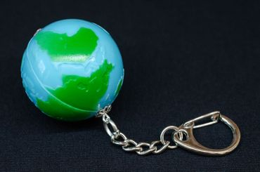 Globe Key Chain Miniblings Zipper World Planet Earth Space Moon Blue Green – Bild 3