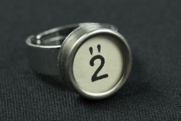 Request Number Ring Vintage Typewriter Keys Miniblings Number White – Bild 2