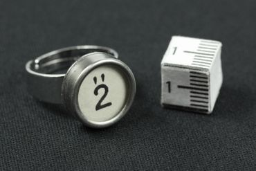 Request Number Ring Vintage Typewriter Keys Miniblings Number White – Bild 4