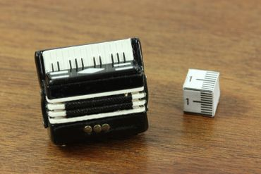 Accordeon Brooch Pin Badge Miniblings Harmonica Piano Accordion Folk Music – Bild 2