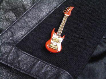 Electric Guitar Brooch Guitaris Band Star Music Miniblings + Box Red – Bild 6