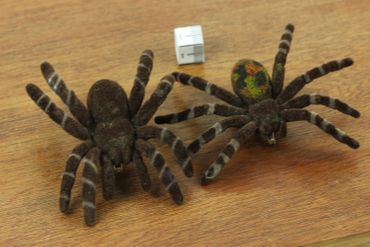 Spider Brooch Halloween Miniblings Tarantula Horror Velvety Fun – Bild 2