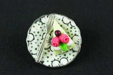 Slice Of Cake On Plate Brooch Miniblings Pin Porcelain Ceramic Pie Tarte Dots – Bild 3