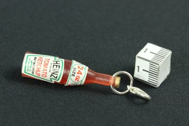 Ketchup Bottle Food Charm Zipper Pull Pendant For Bracelet  Wristlet Miniblings Sauce Fastbood – Bild 2