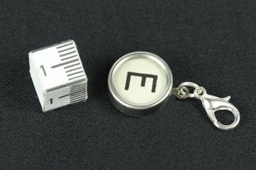Typewriter Keys Key Charm Miniblings Your Letter Customized Initital Key Typewriter Keys White – Bild 3