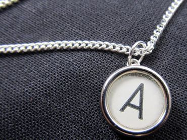 Typewriter Keys Key Chain Key Ring Link Necklace Miniblings 45cm Request Letter Customized Initial White – Bild 2