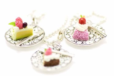 Slice Of Cake Necklace Miniblings 80cm Cake Tarte Dessert Plate Plate Cawaii Dots – Bild 1