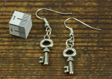 Schlüssel Ohrringe Hänger Miniblings Schlüsselohrringe Geheimnis rund silber – Bild 4