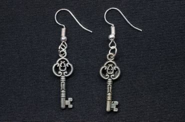 Key Earrings Miniblings Key Earrings Ecret Ornamented Silver – Bild 1