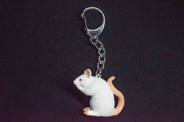 Rat Key Ring MiniblingsPendant Key Ring Mouse Halloween White – Bild 1
