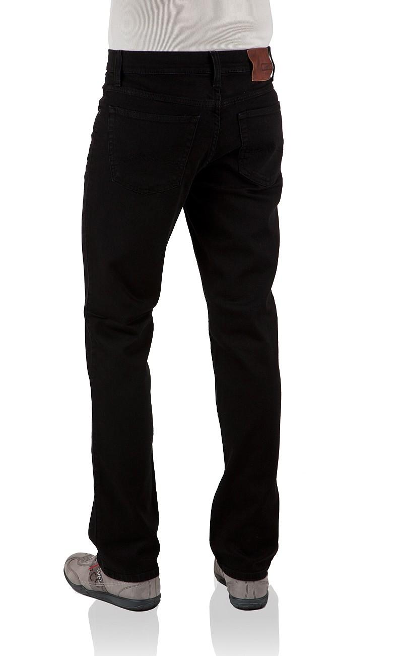 mustang-herren-jeans-tramper-slim-oder-tapered-fit-in-vielen-verschiedene-farben-und-waschungen
