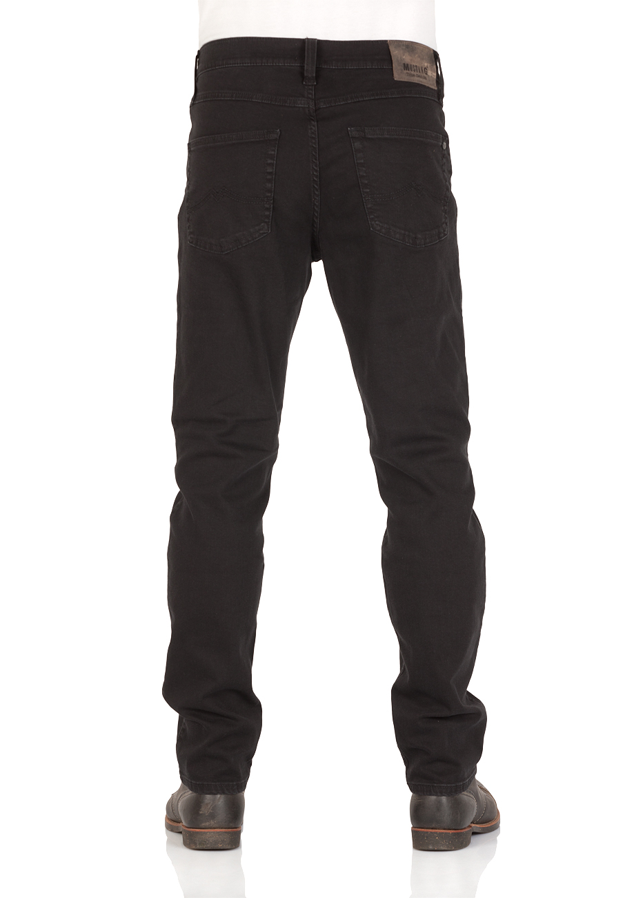 mustang-herren-jeans-tramper-tapered-fit-schwarz-deep-black