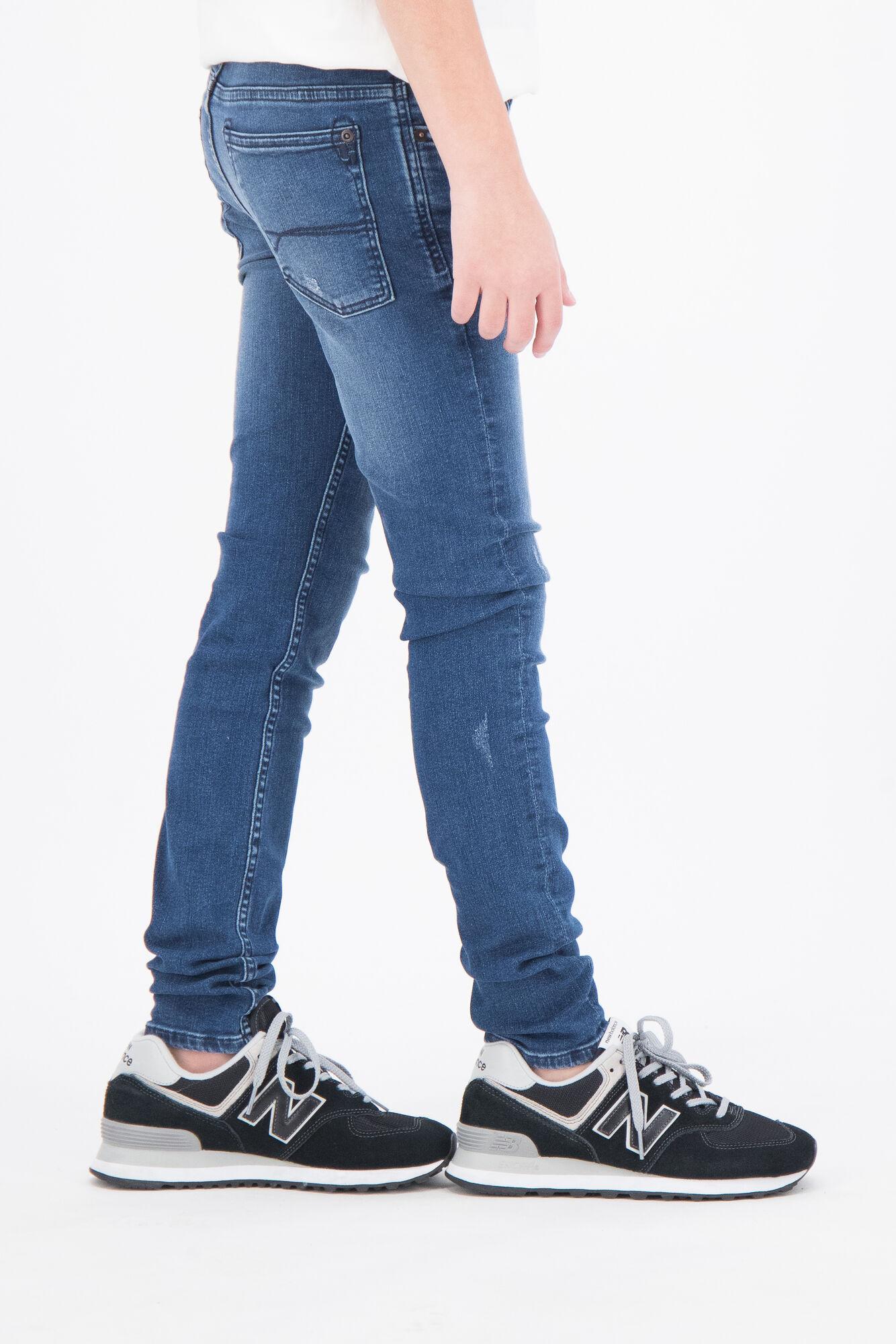 Hosen für schlanke Jungen