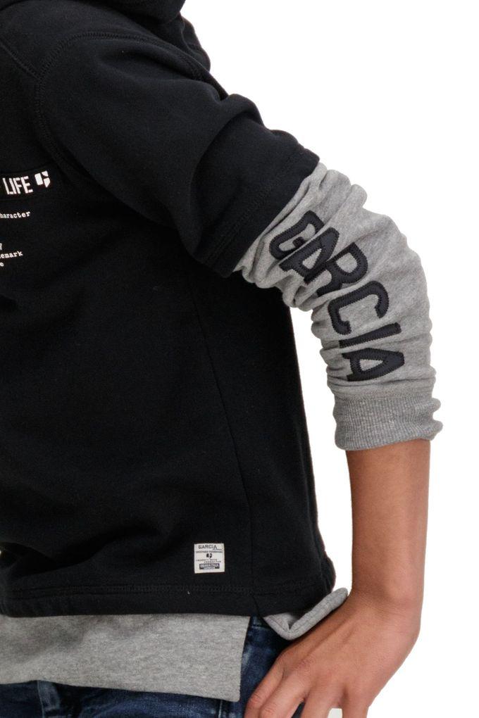 Garcia Jungen Kapuzen-Sweater Doppeloptik in raw black angeraut – Bild 3