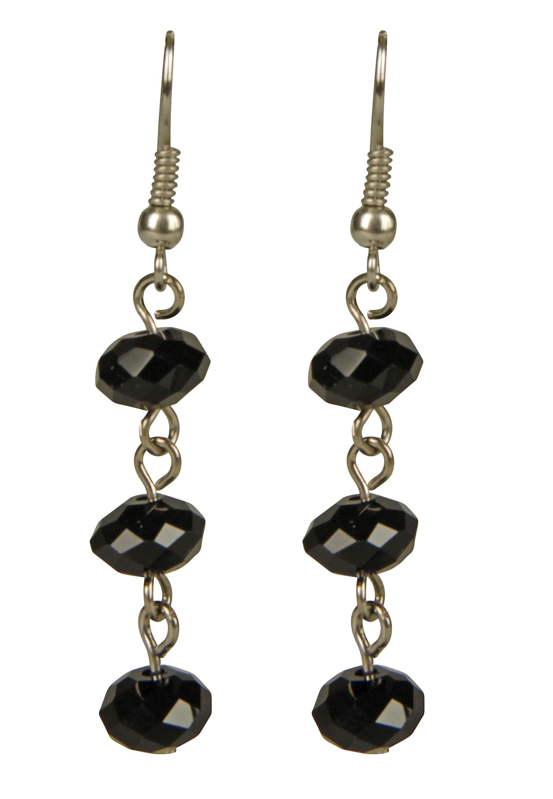 modische Ohrringe mit funkelnden Perlen