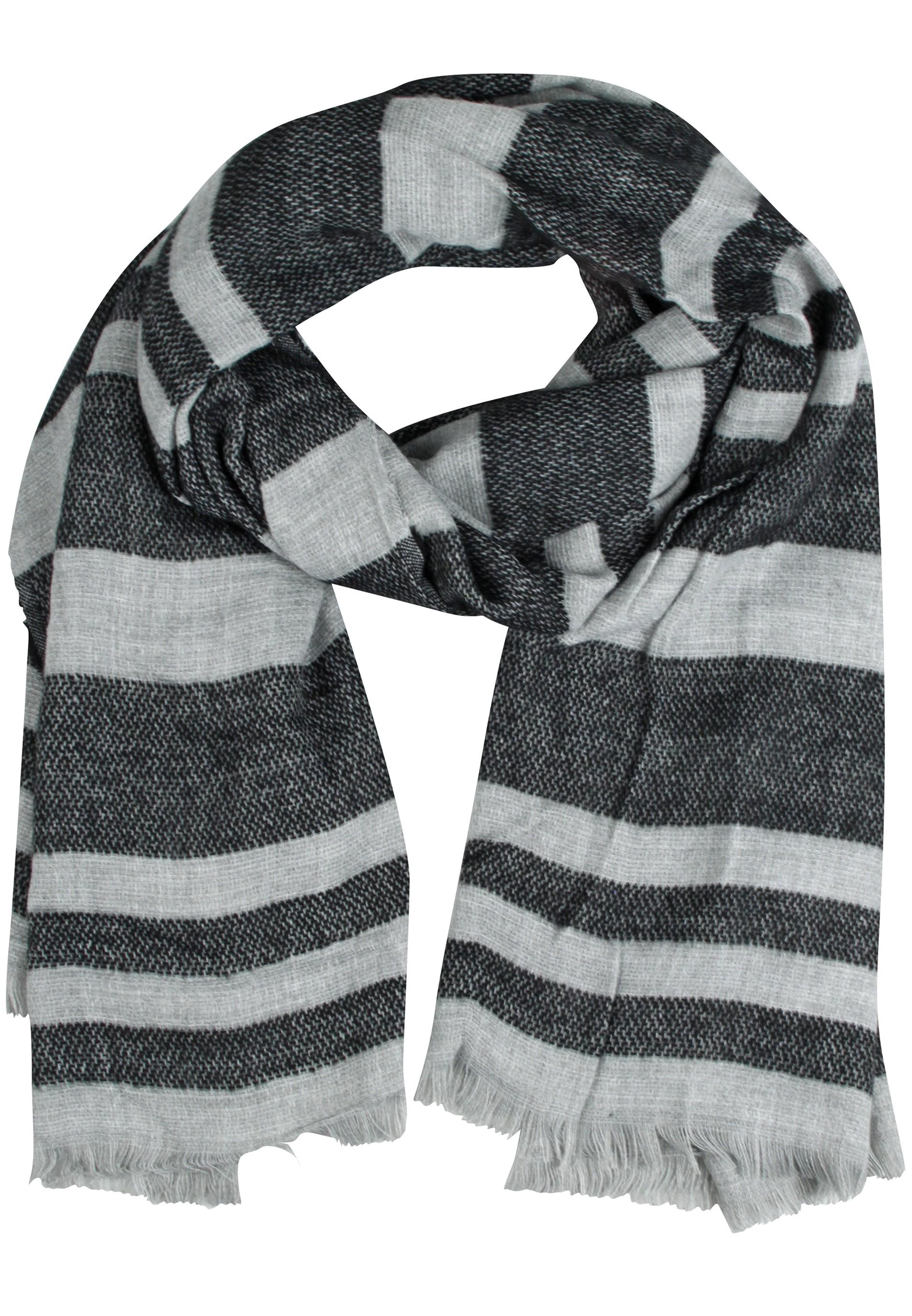 Stylischer Schal in vier verschiedenen Farben