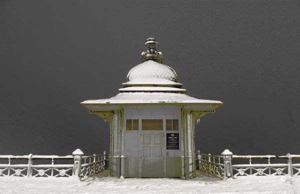 Ye Old Lift in the Snow - Fineart Photography by David Freeman