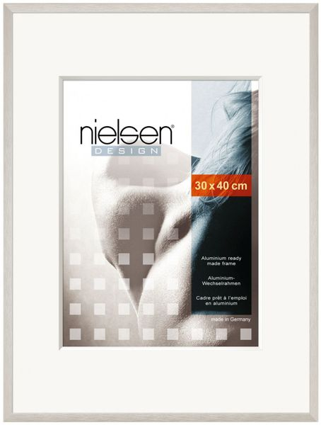 NIELSEN C2 40x50 cm Soft Silver Picture Frame