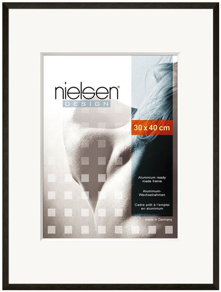 Nielsen C2 40X50 cm Glossy Black Picture Frame