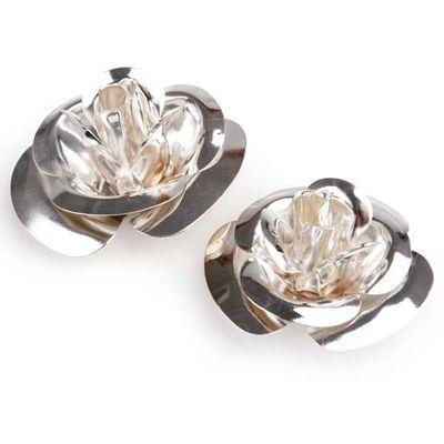 24  Streudeko Rosen 4 + 6 cm 2 fach sortiert silber Metallblüte Hochzeit Tischdeko