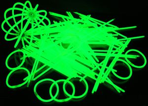 "100 Glow Sticks GREEN, Test Score: 1,4 ""VERY GOOD"", Complete Set incl. 100x TopFlex-, 2x Triple- und 2x Ball- Connectors – Bild 4"