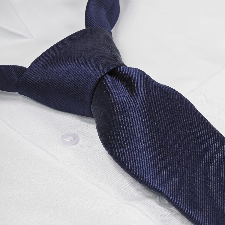 Image de détail de Cravate bleu foncé en soie grandes tailles de Ploenes