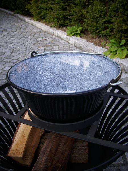 Topfaufsatz für Gulaschkessel für unsere Feuerkörbe