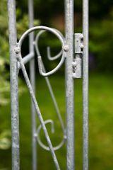 Rosenbogen B: 140cm Zink mit Türen / Tor mit Spitze