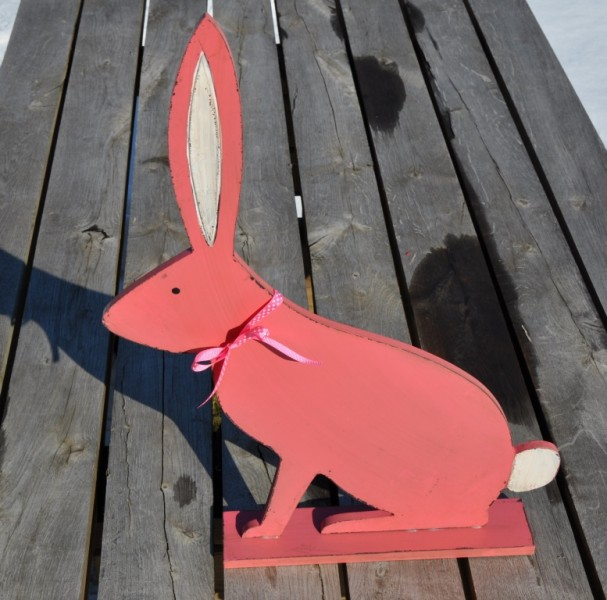Hase aus Holz pink