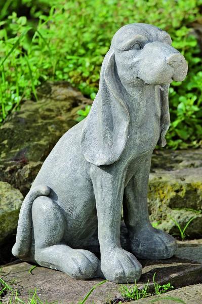 Gartenfigur Hund sitzend Betongrau