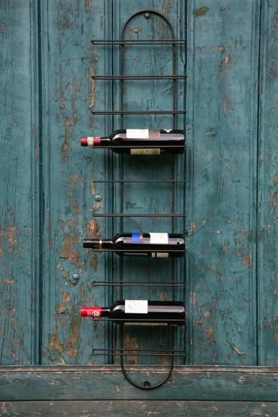 Weinregal für die Wand, schwarz
