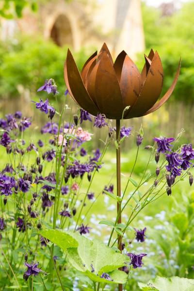 Gartenstecker rankstab lotus rost for Rost gartenstecker