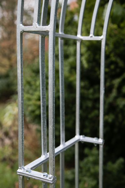 Rosenbogen Vierkant // Metall zink, Toronto klein