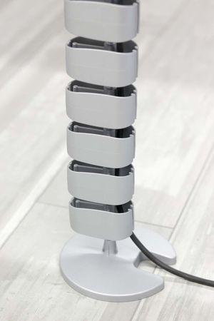 Kabelführung vertikal Silber