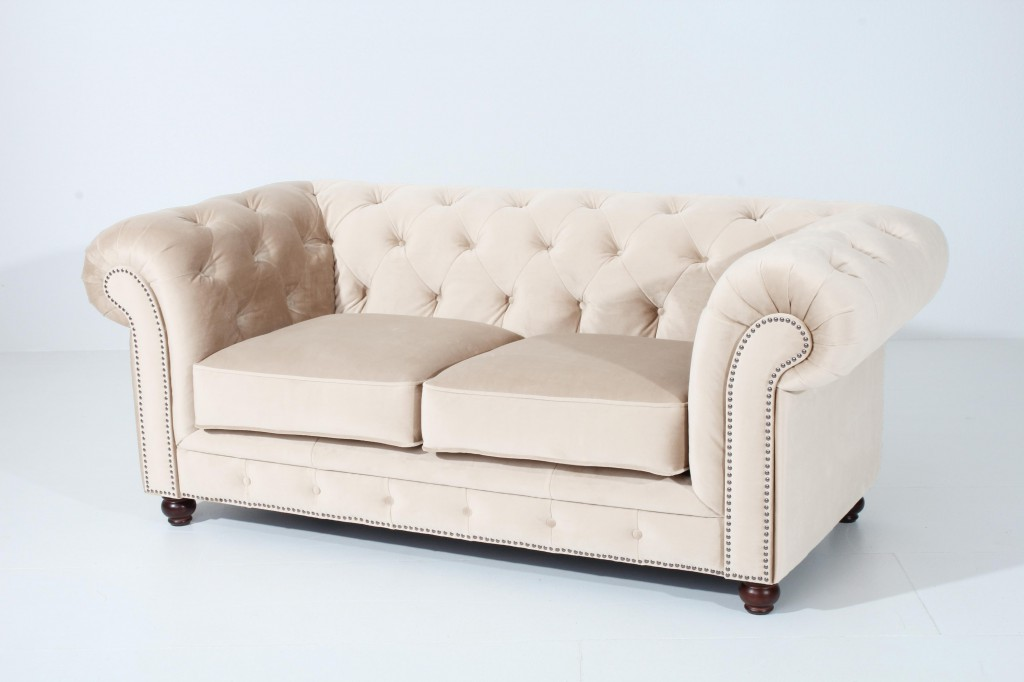 salford 2er sofa chesterfield couch samtvelours creme polsterm bel chesterfield 2 sitzer. Black Bedroom Furniture Sets. Home Design Ideas