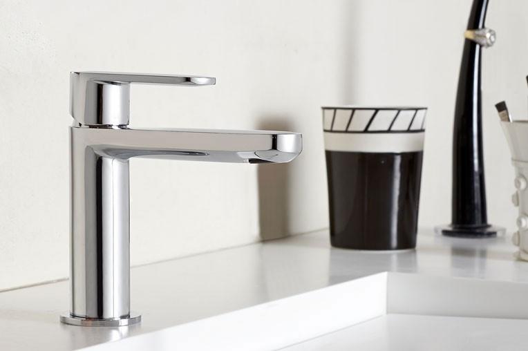 moderne waschtischarmatur highline f r g ste wc armaturen waschtischarmaturen. Black Bedroom Furniture Sets. Home Design Ideas